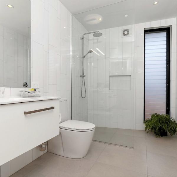 Auckland Glazier | Clear Glass Frameless Shower